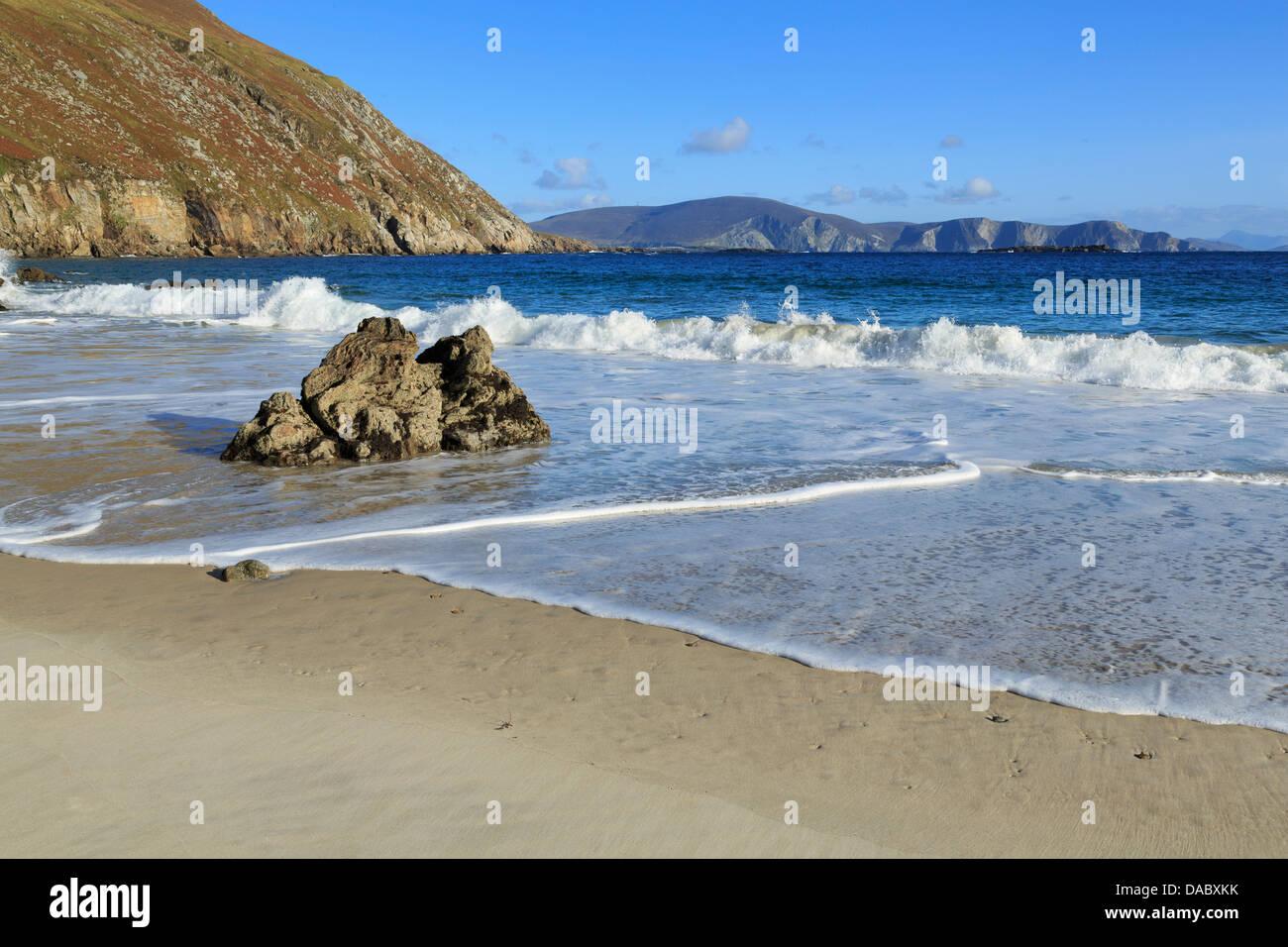 Keem Beach on Achill Island, County Mayo, Connaught (Connacht), Republic of Ireland, Europe - Stock Image