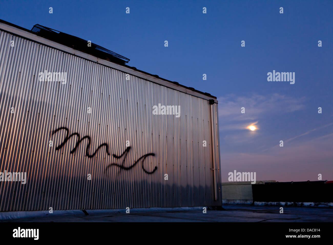 full moon in Brooklyn - Stock Image