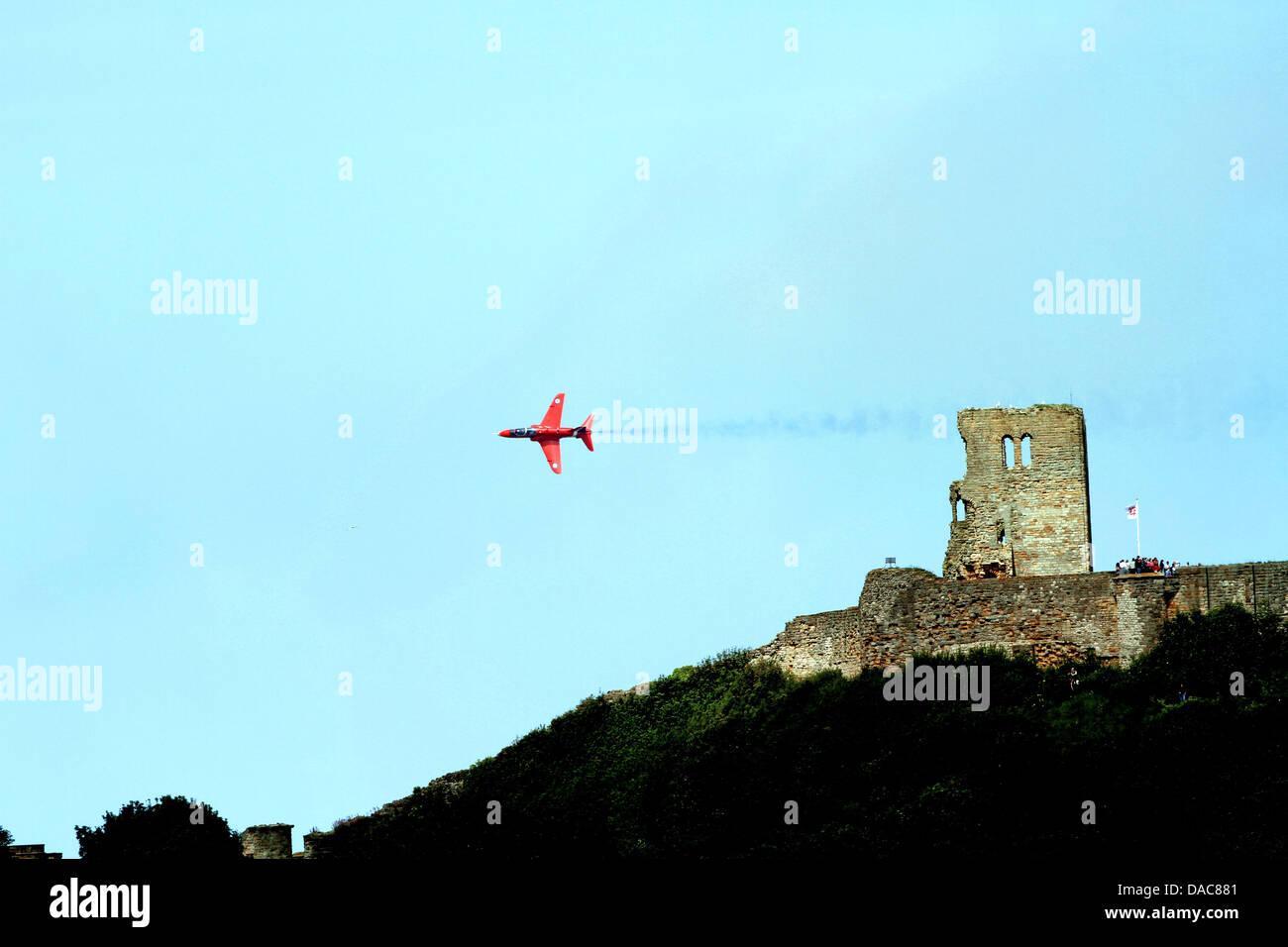 RED ARROWS AEROBATIC DISPLAY SCARBOROUGH NORTH YORKSHIRE 29 June 2013 - Stock Image