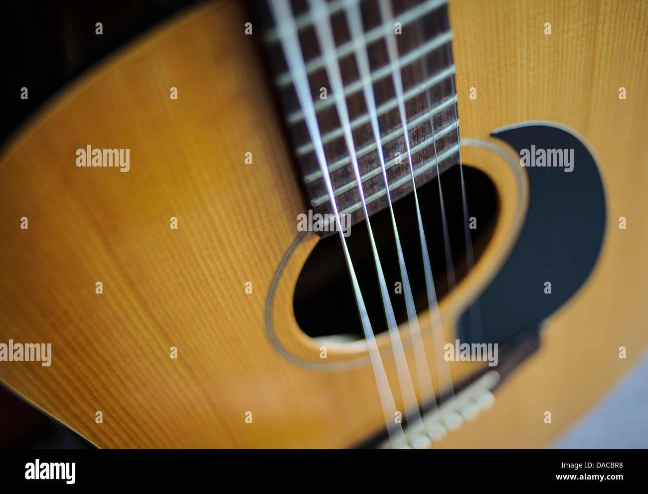 vibrating guitar string stock photos vibrating guitar string stock images alamy. Black Bedroom Furniture Sets. Home Design Ideas
