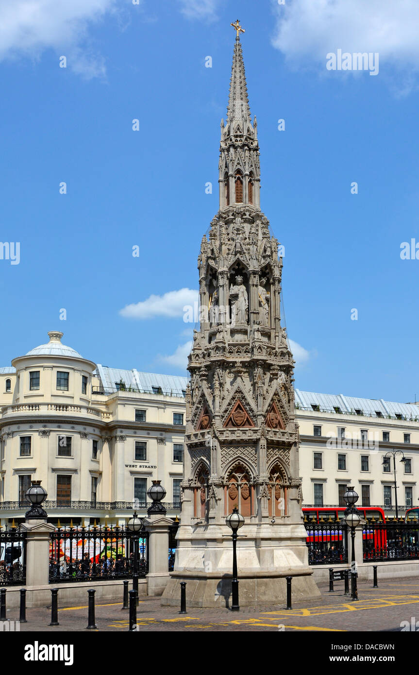 Replica Eleanor Cross London seen full height and unusually clear of parked vehicles and other clutter - Stock Image