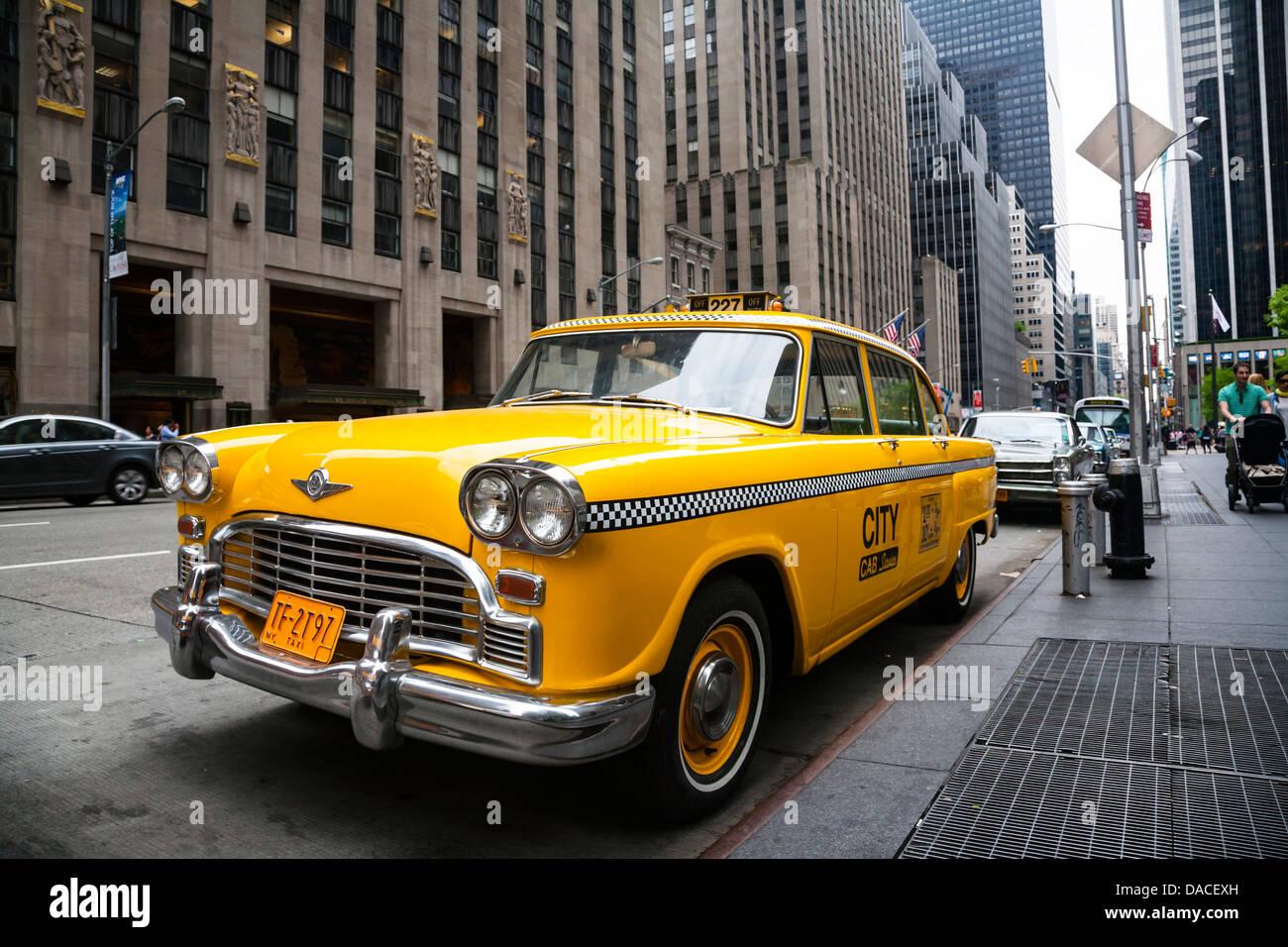 Vintage yellow New York taxi, NYC, USA Stock Photo - Alamy