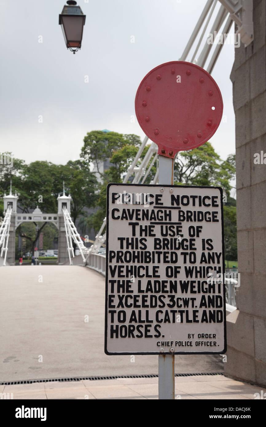 Historic Cavenagh Bridge, Singapore - Stock Image