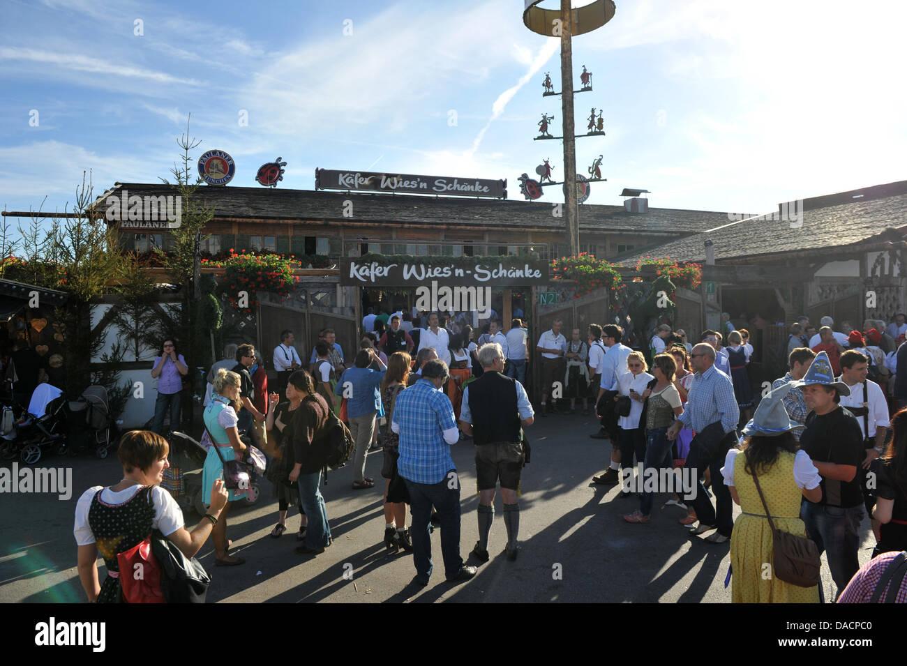 The Kaefer\'s Wies\'n-Schaenke tent on the Oktoberfest grounds is ...