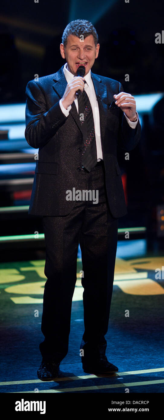 Argentinian-Austrian folk singer Semino Rossi performs during the rehearsal of the German television show'musik - Stock Image