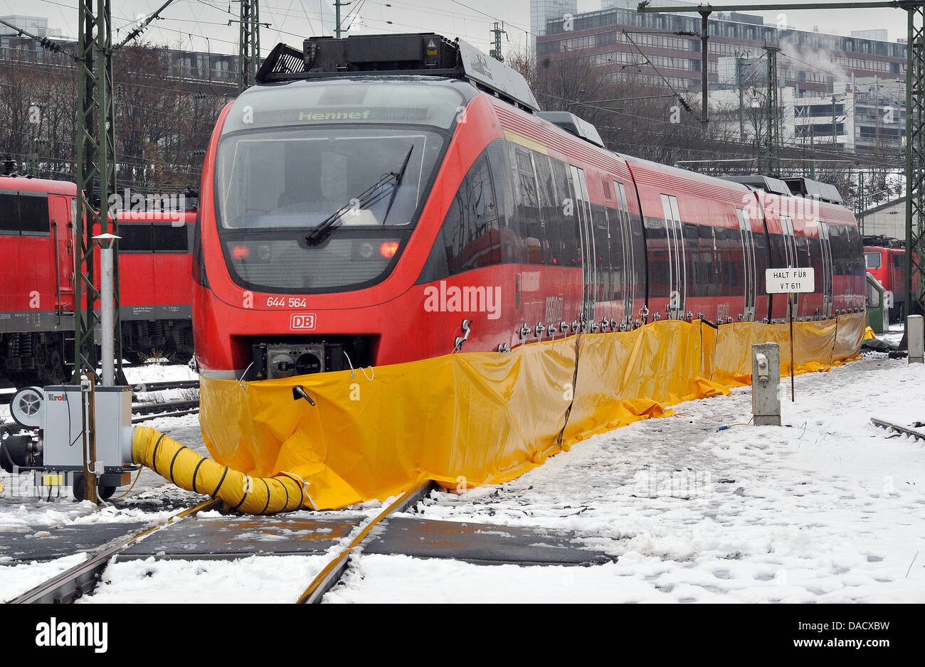 https://c8.alamy.com/comp/DACXBW/a-trainset-of-railway-company-deutsche-bahn-stands-in-an-depot-of-DACXBW.jpg