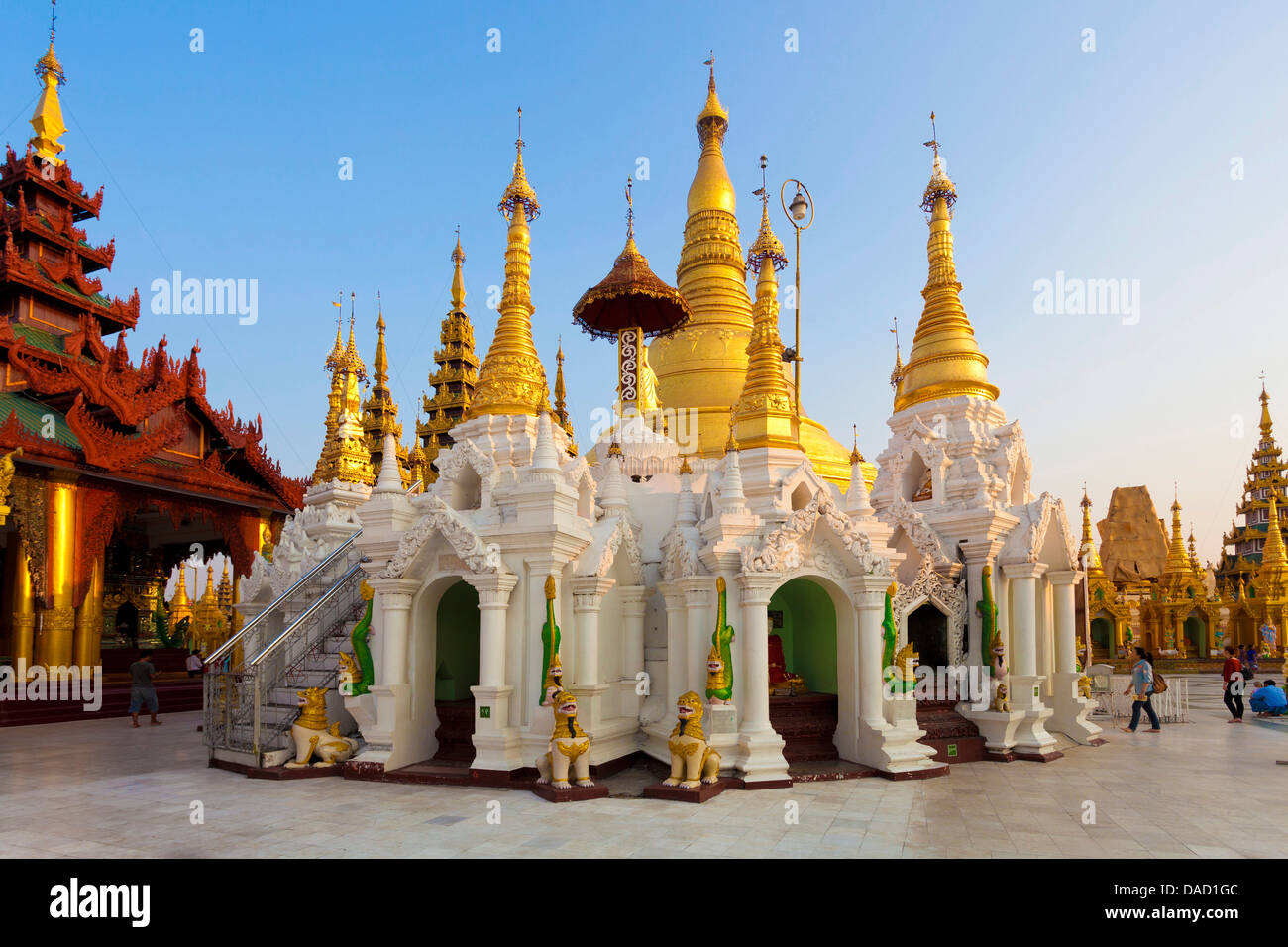 Temples and shrines at Shwedagon Paya (Pagoda), Yangon (Rangoon), Myanmar (Burma), Asia - Stock Image