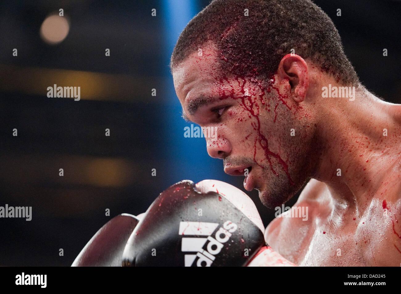 Cuban boxer Yoan Pablo Hernandez bleeds during the IBF Cruiserweight World Championship-fight in Neubrandenburg, - Stock Image