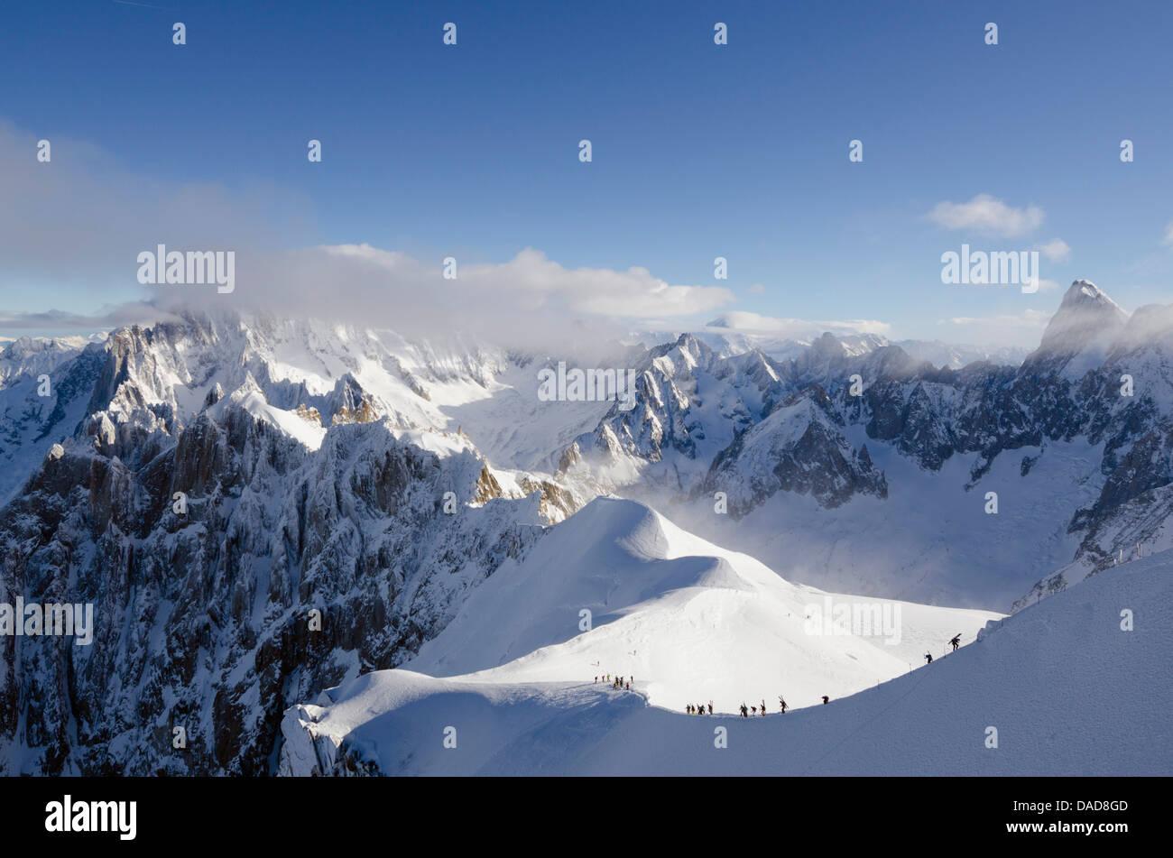 Aiguille du Midi ridge, Chamonix, Haute-Savoie, French Alps, France, Europe - Stock Image