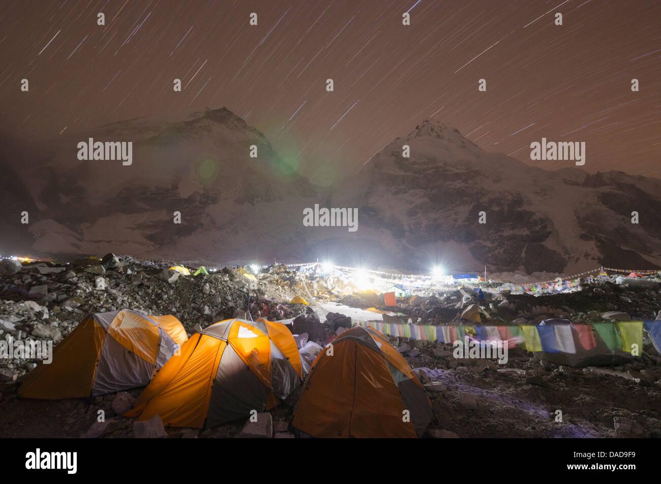 Tents at Everest Base Camp at night, Solu Khumbu Everest Region, Sagarmatha National Park, UNESCO Site, Nepal - Stock Image