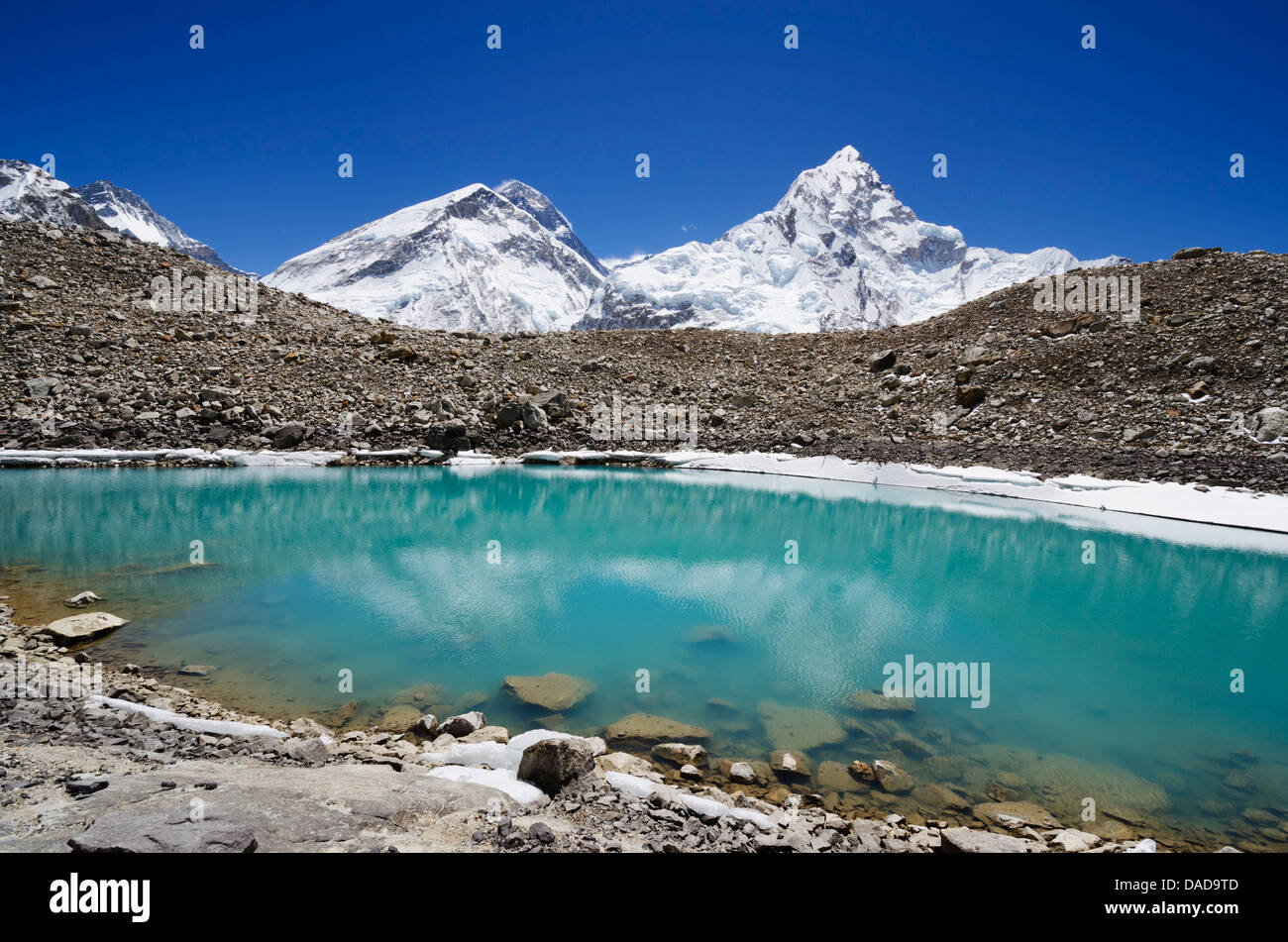 Mount Everest, 8850m, and glacial lake, Solu Khumbu Everest Region, Sagarmatha National Park, UNESCO Site, Nepal - Stock Image