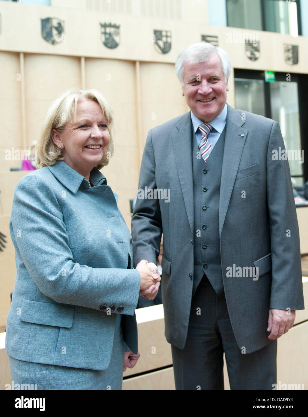 North-Rhine Westphalian Prime Minister Hannelore Kraft congratulates Bavarian Prime Minister Horst Seehofer on his - Stock Image
