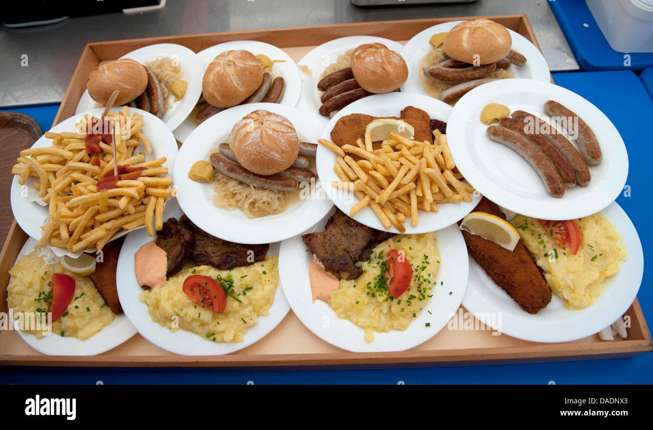 FILE - The archive picture dated 17 June 2011 shows food on a serving tray in Bruckmuehl, Germany.  According to - Stock Image
