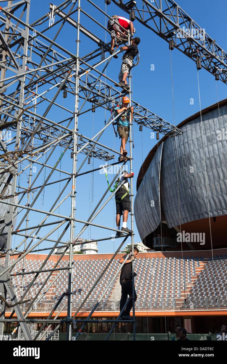 workmen on scaffolding, Parco della Musica, Rome Italy - Stock Image