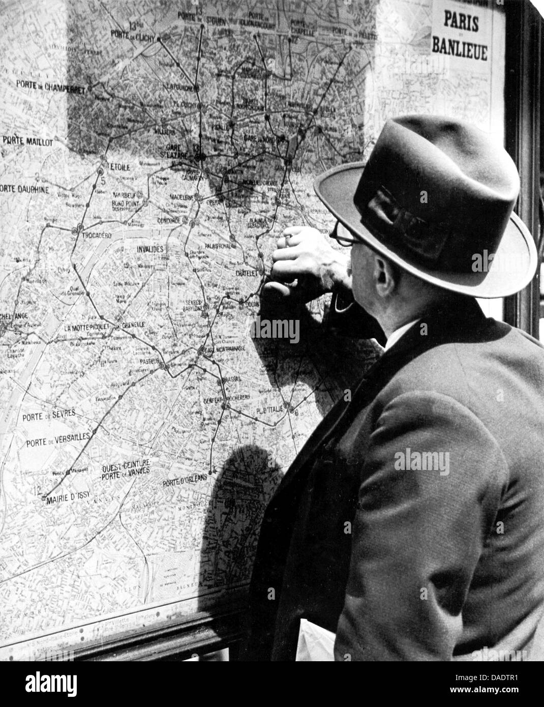 Subway Map Before 1933.A Man Seeks Information At A Subway Map In Paris In 1935 Image By