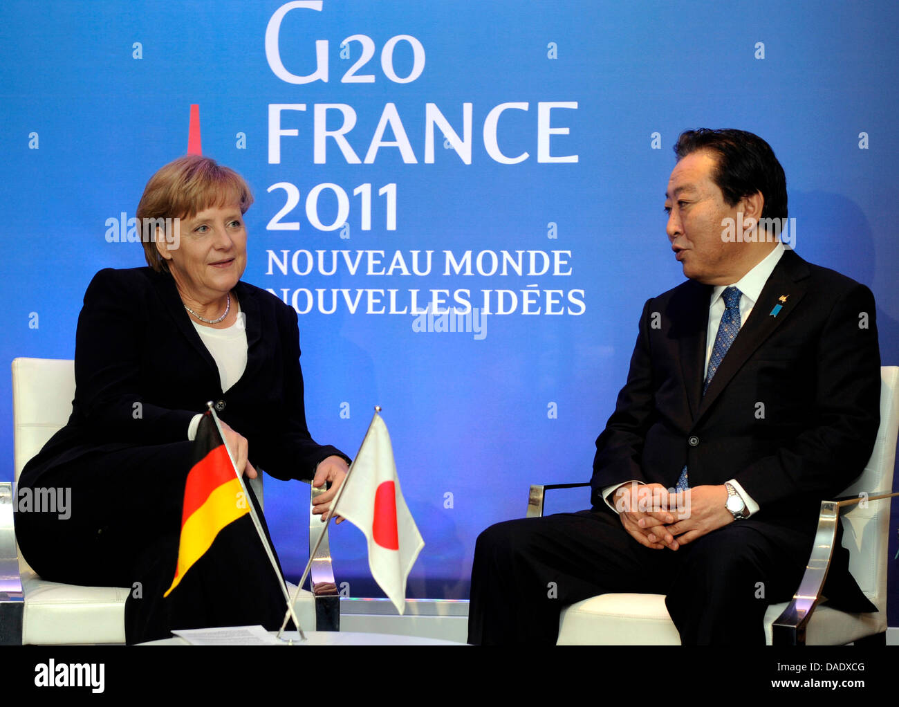 Bundeskanzlerin Angela Merkel (CDU) und Japans Premierminister Yoshihiko Noda unterhalten sich am Freitag (04.11.11) - Stock Image