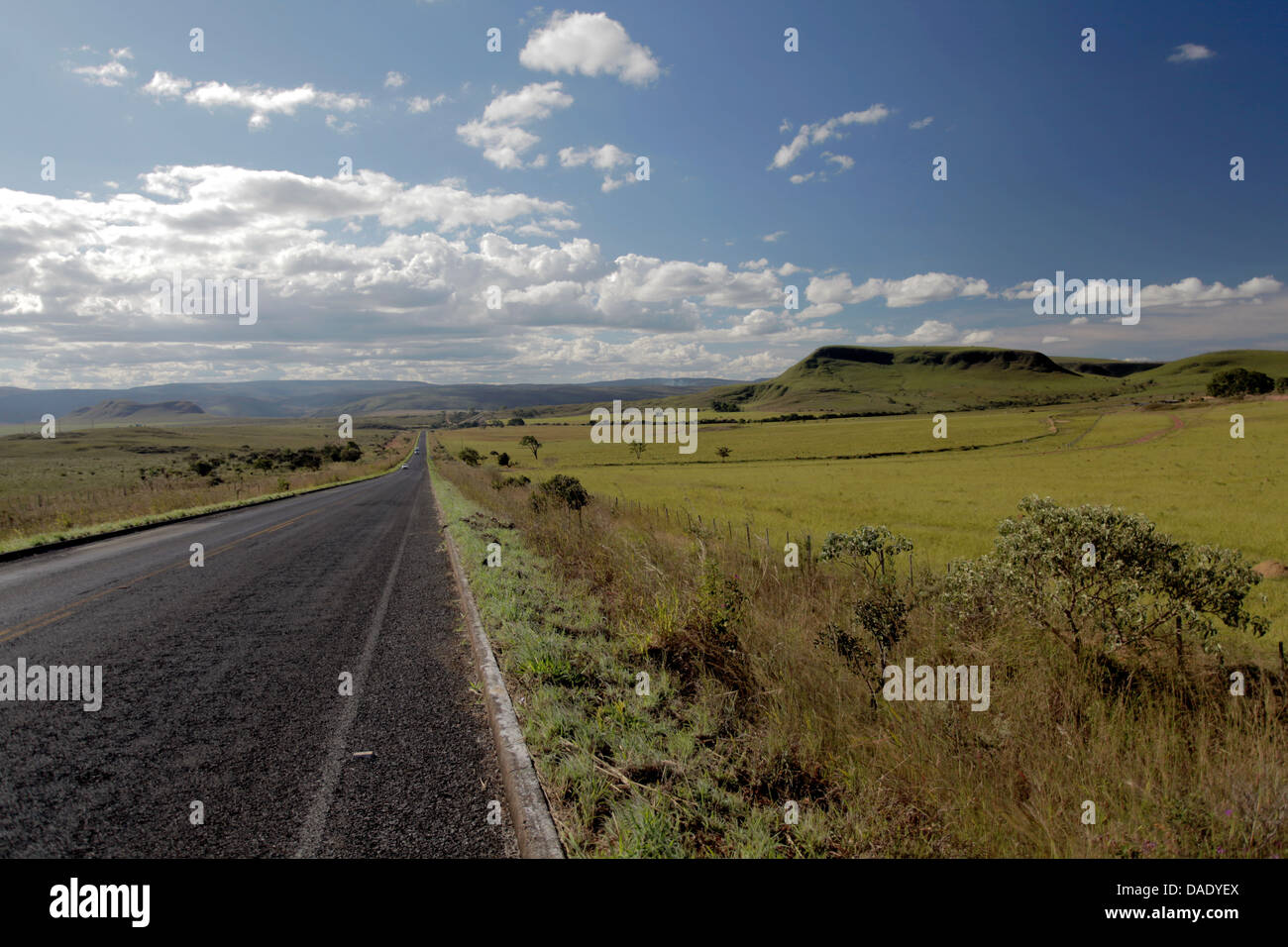 Highway, Road at Chapada dos Veadeiros in Goiás Brazil - Stock Image