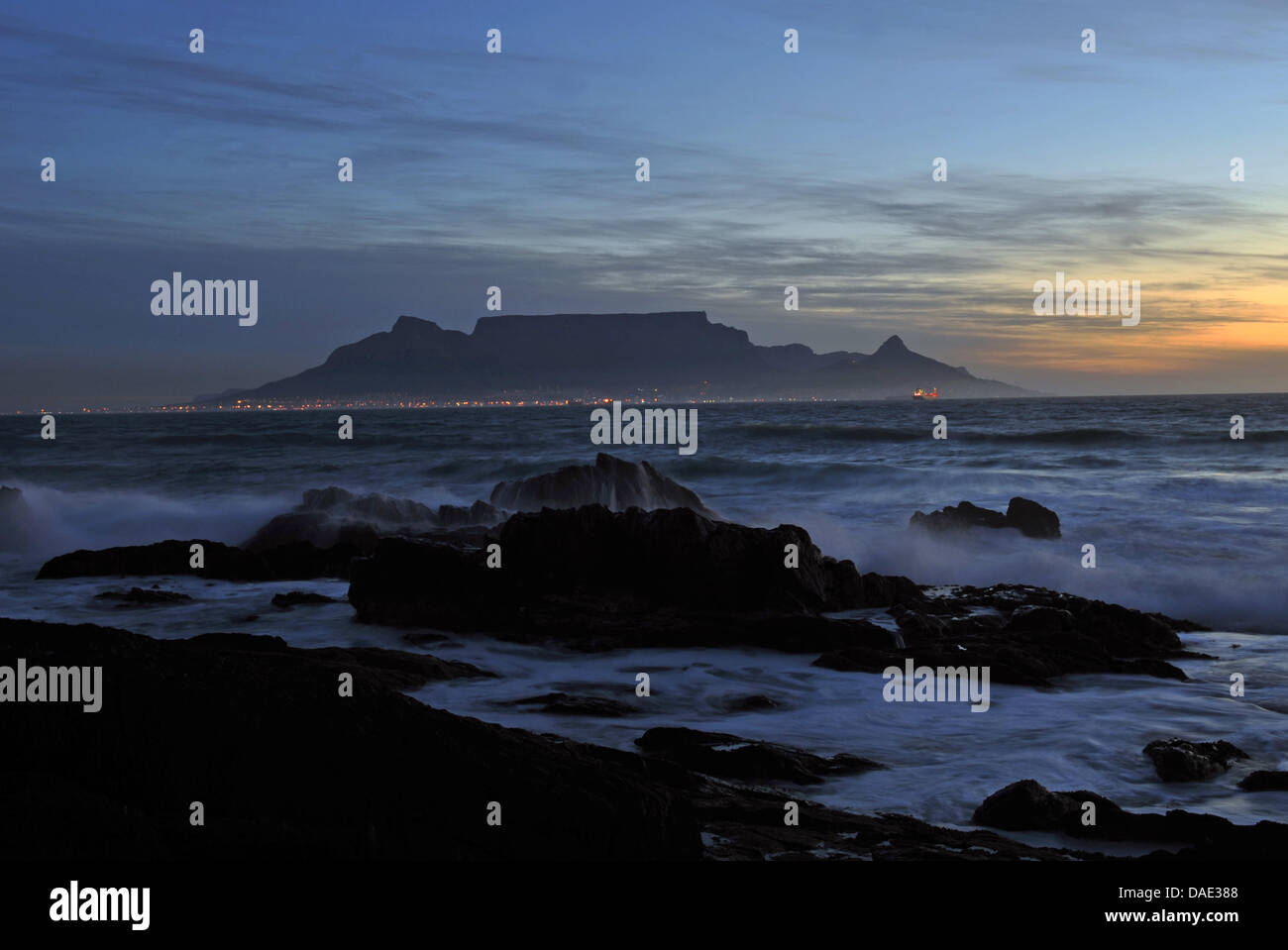 The Table Mountain, the landmark of Cape Town, is pictured shortly before sunset in Cape Town, South Africa, 06 - Stock Image