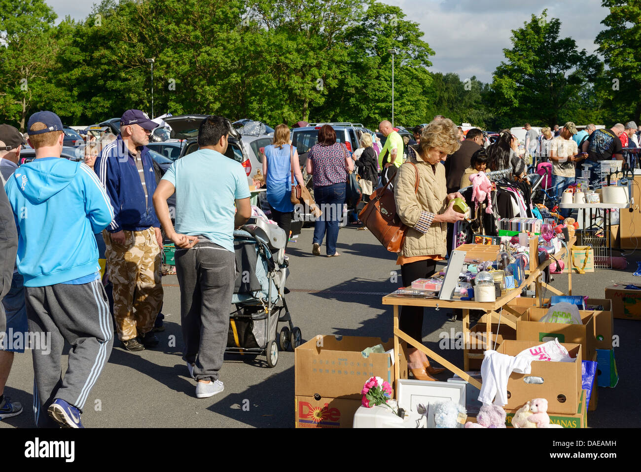 Shoppers at the Sunday morning car boot sale at The Countess of Chester Hospital - Stock Image