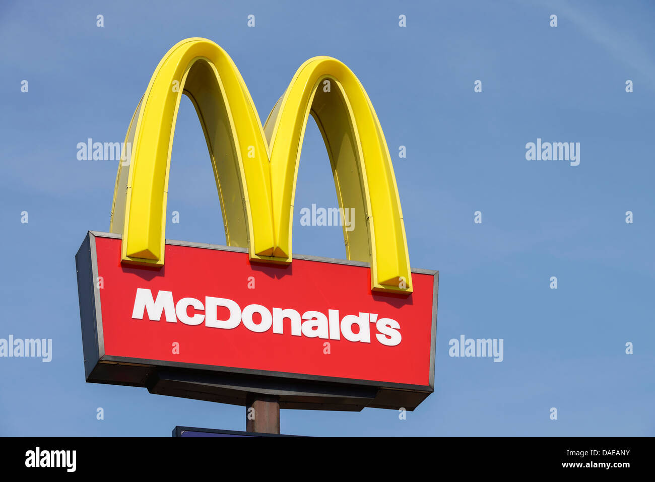 McDonalds golden arches sign - Stock Image