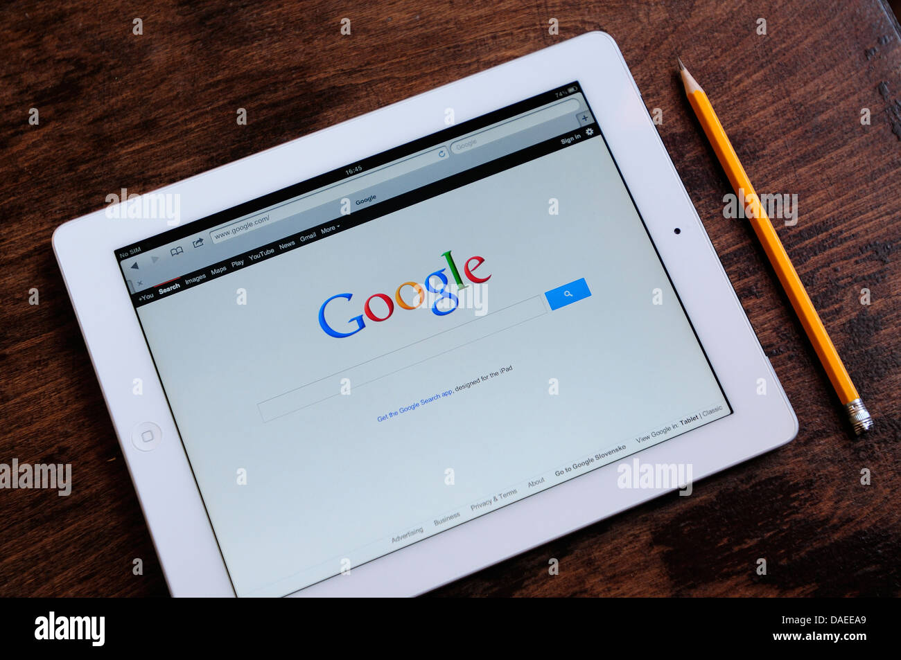 iPad screen with google search webpage - Stock Image