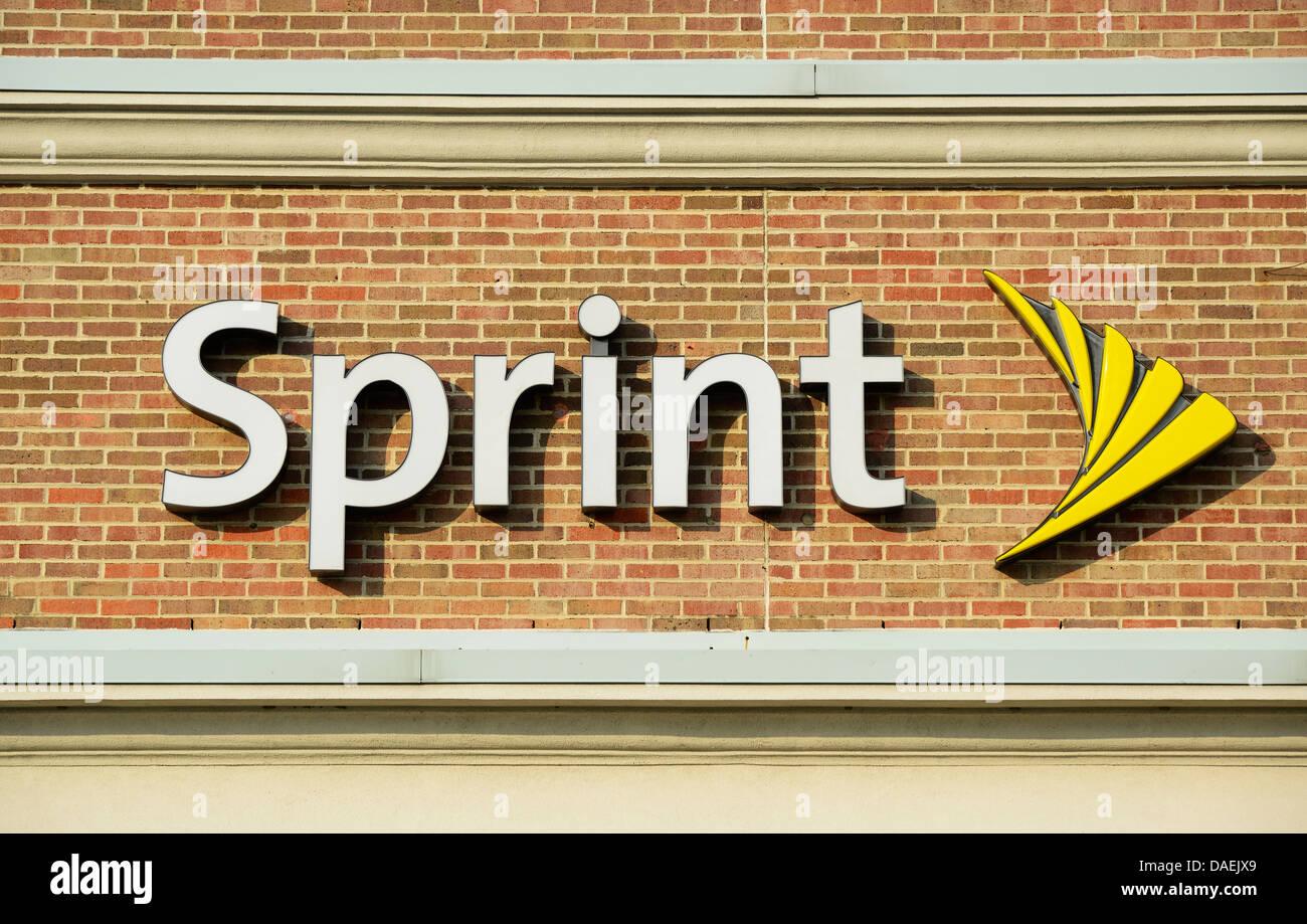 Sprint corporate logo on office. - Stock Image