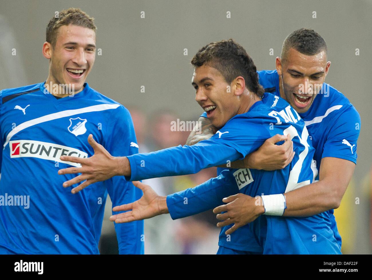 new styles 5a287 085fa Hoffenheim's Roberto Firmino (C) celebrates his 1-0 goal ...