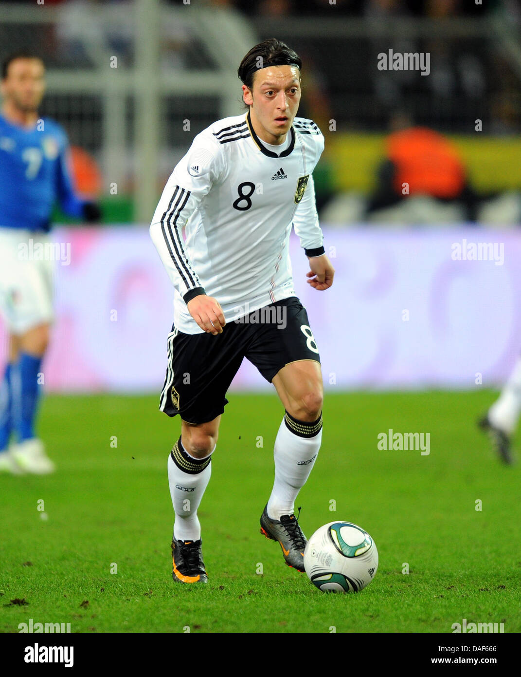 Fußball Länderspiel: Deutschland - Italien am Mittwoch (09.02.2011) im Signal Iduna Park in Dortmund. - Stock Image