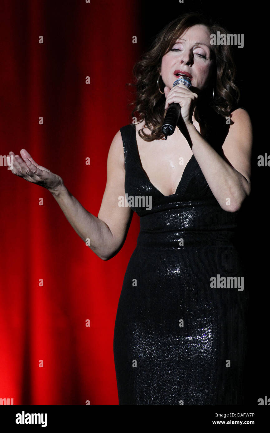 Greek singer Vicky Leandros performs during her 35th stage anniversary tour at the convention centre in Luebeck, - Stock Image