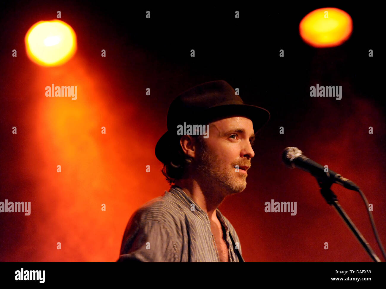 Fran Healy, singer of the Scottish band Travis, performs at