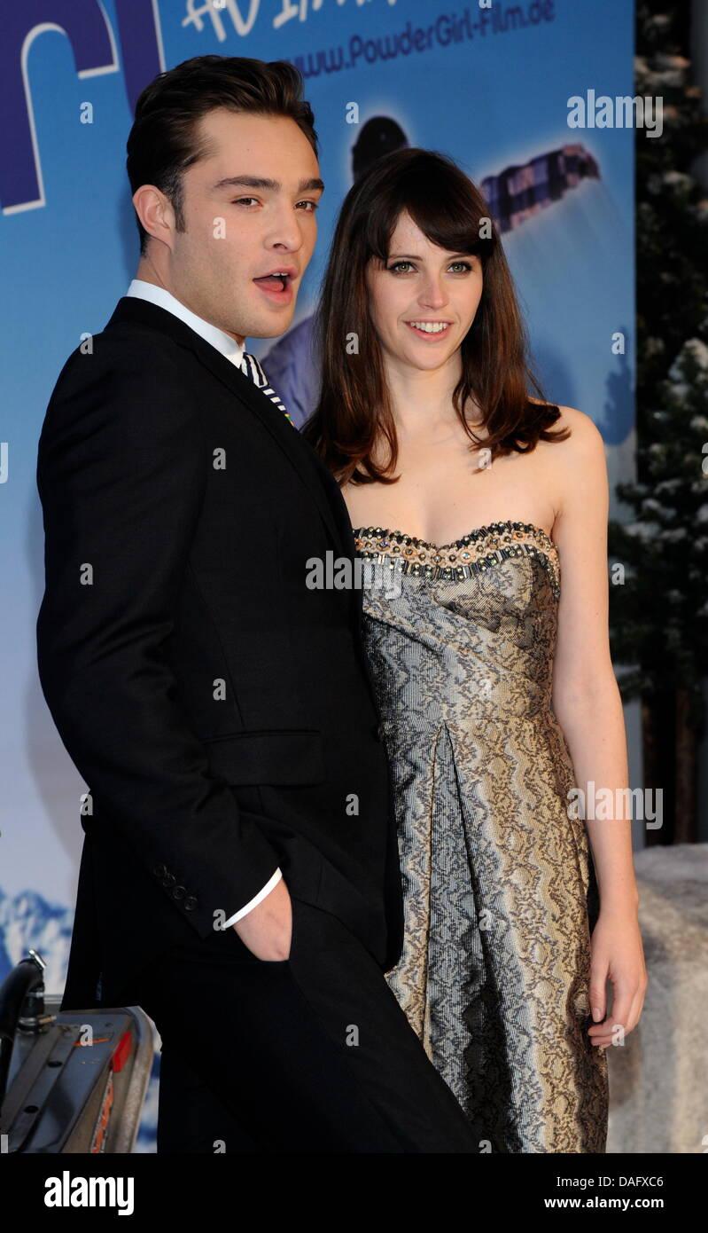 Die britischen Schauspieler Ed Westwick und Felicity Jones kommen am Freitag (04.03.2011) in München (Oberbayern) - Stock Image
