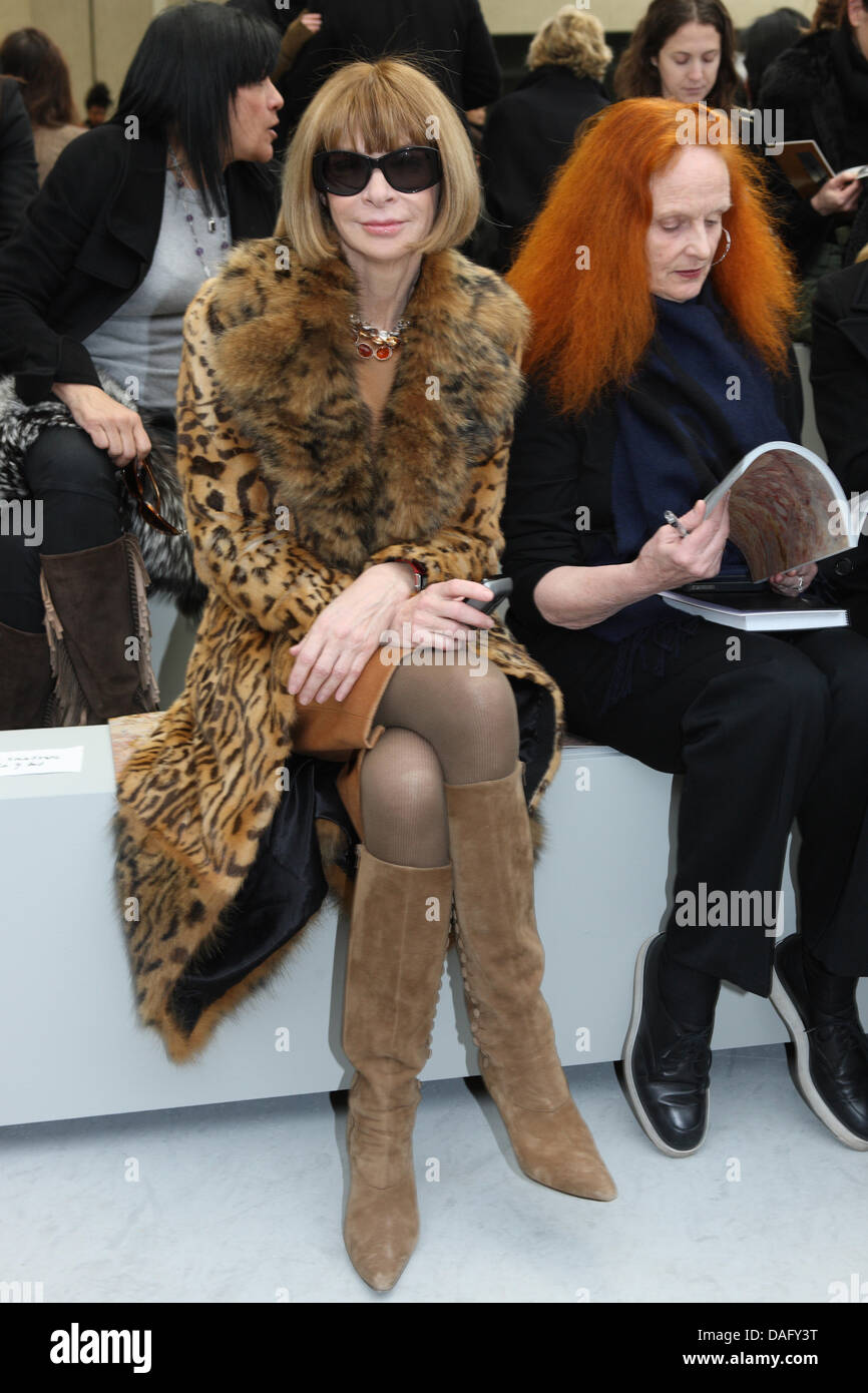 Anna Wintour (L), editor-in-chief of American Vogue, and Grace Coddington, creative director of American Vogue, - Stock Image