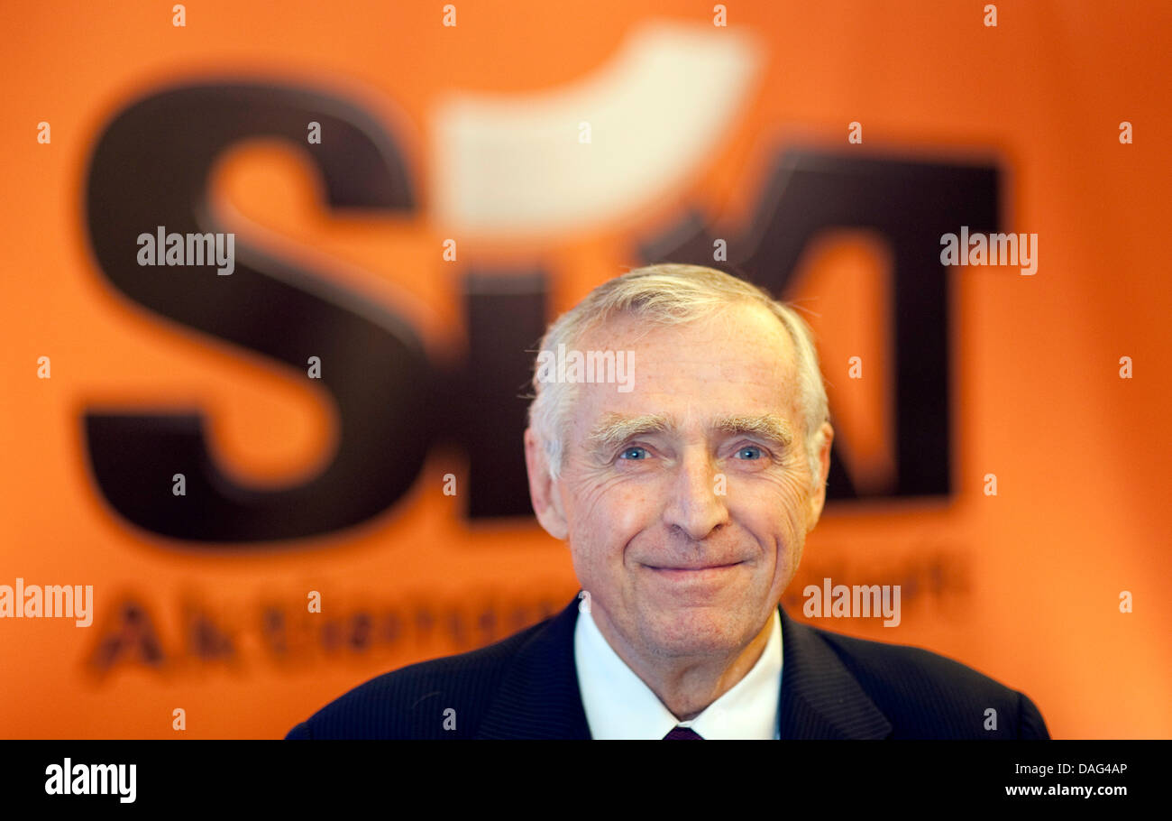 CEO of Sixt, Erich Sixt, poses at a press briefing on annual results in Munich, Germany, 17 March 2011. The company - Stock Image