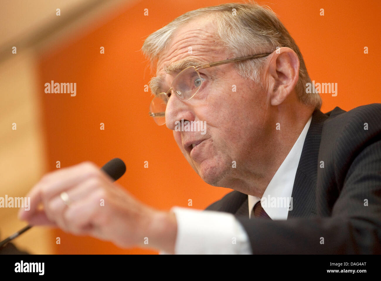 CEO of Sixt, Erich Sixt, speaks at a press briefing on annual results in Munich, Germany, 17 March 2011. The company - Stock Image