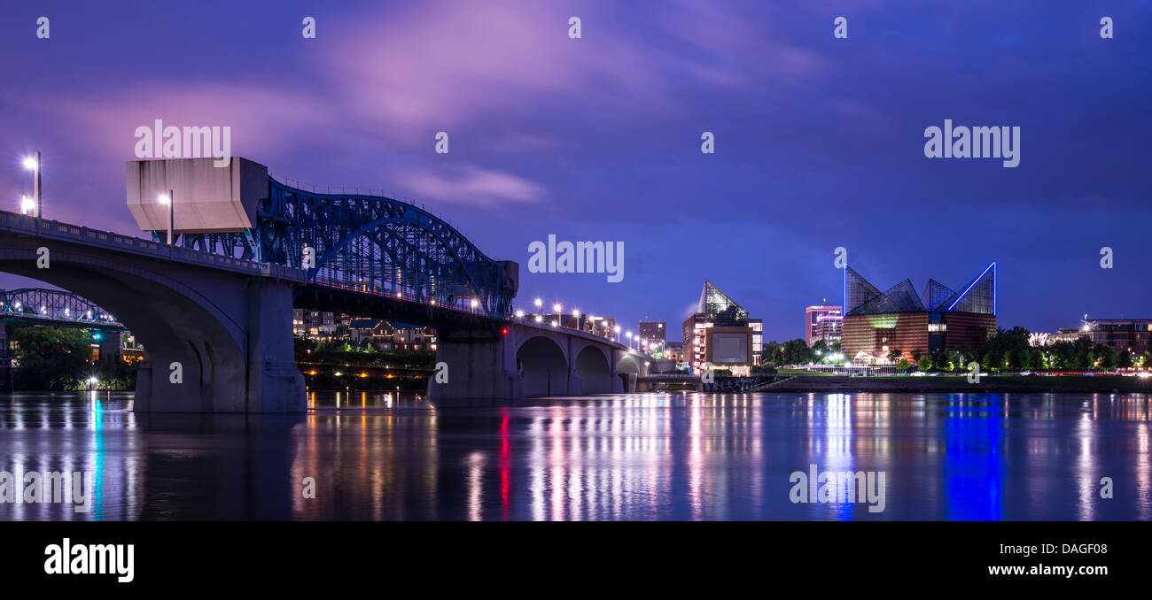 Downtown Chattanooga, Tennessee from across the Tennessee River. - Stock Image