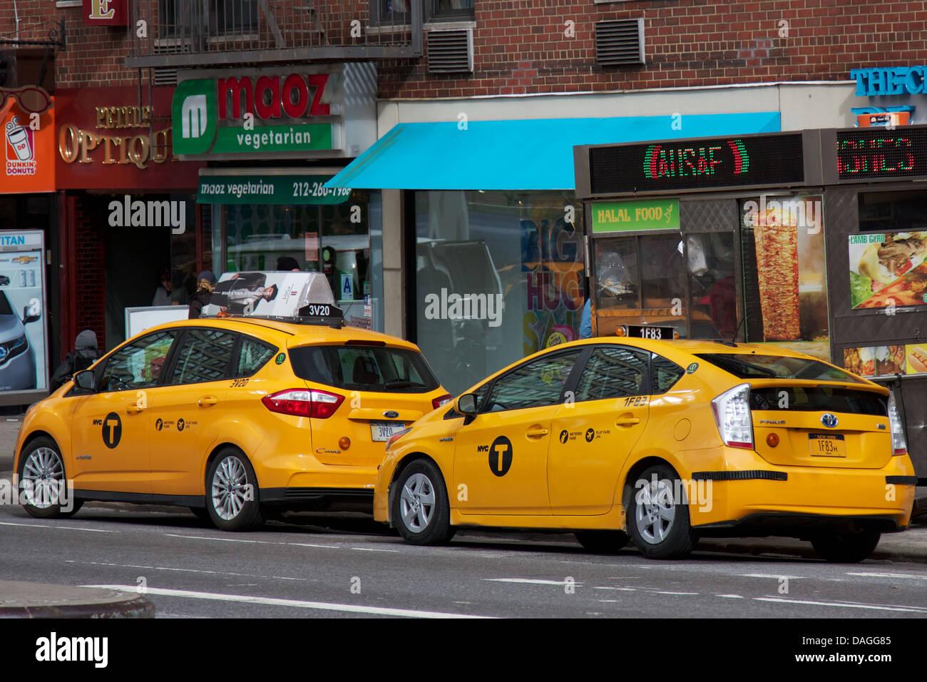 Nyc Medallion Taxi Stock Photos & Nyc Medallion Taxi Stock