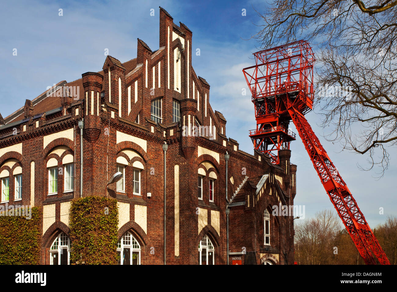 wages hall and shaft tower of the former coal mine Bonifacius, Germany, North Rhine-Westphalia, Ruhr Area, Essen - Stock Image