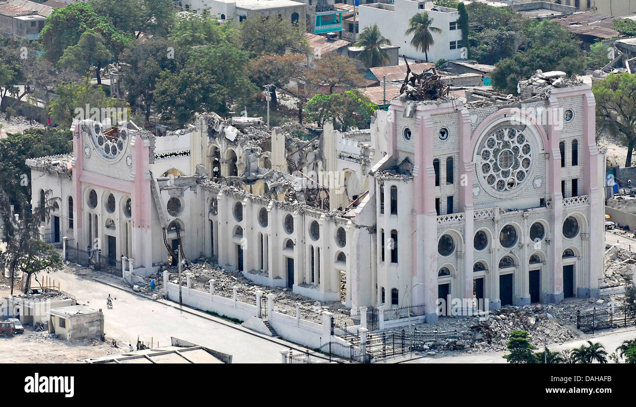 Aerial view of the Cathedral of Our Lady of the Assumption destroyed in the 7.0 magnitude earthquake that killed - Stock Image