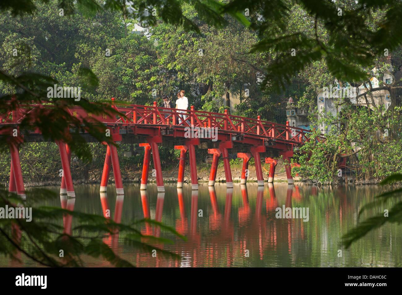 The Huc Bridge, Hoan Kiem Lake, Hanoi, Vietnam - Stock Image