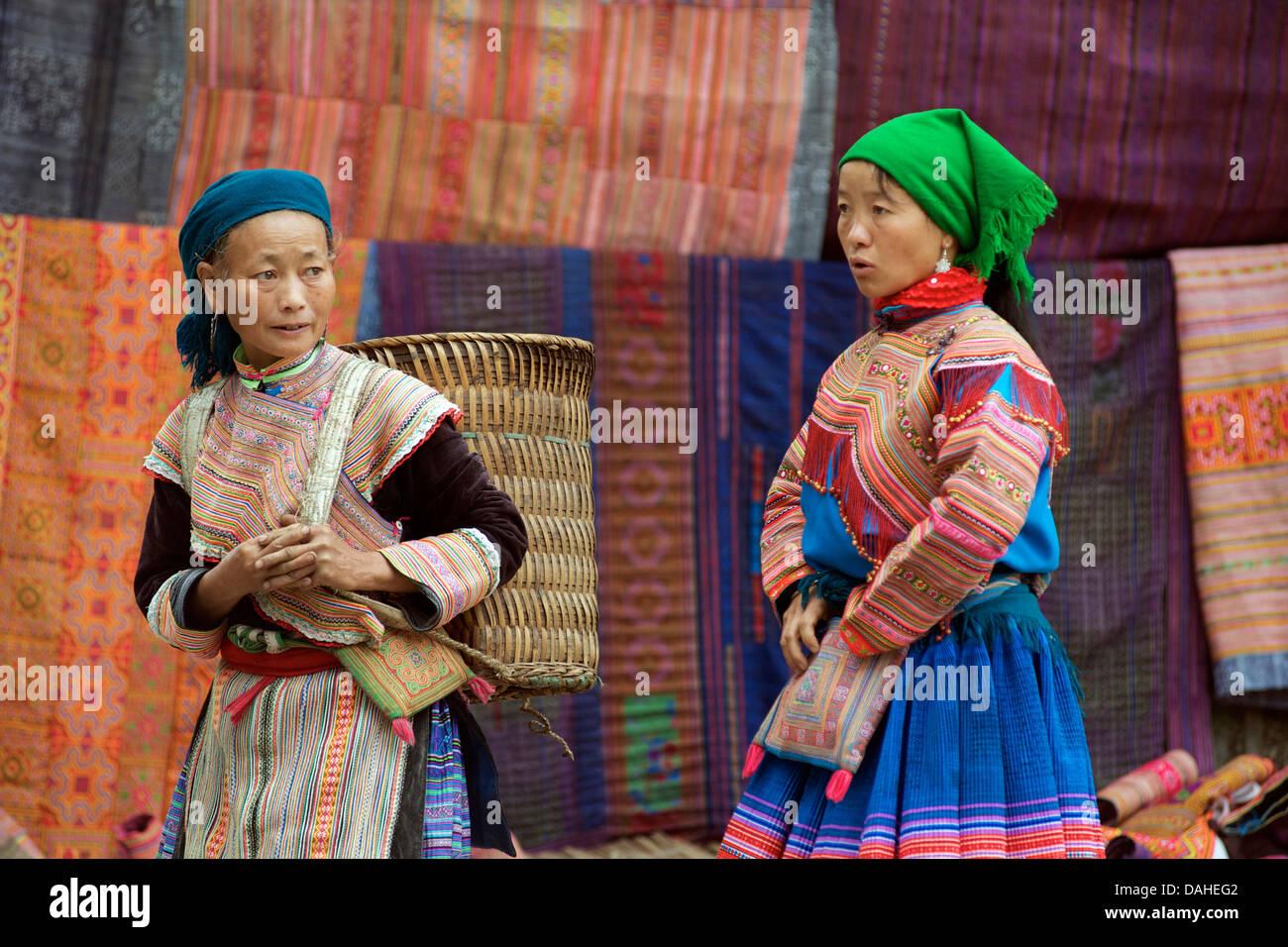 Flower Hmong women at Bac Ha Sunday market. Lao Cai Province, Northern Vietnam - Stock Image