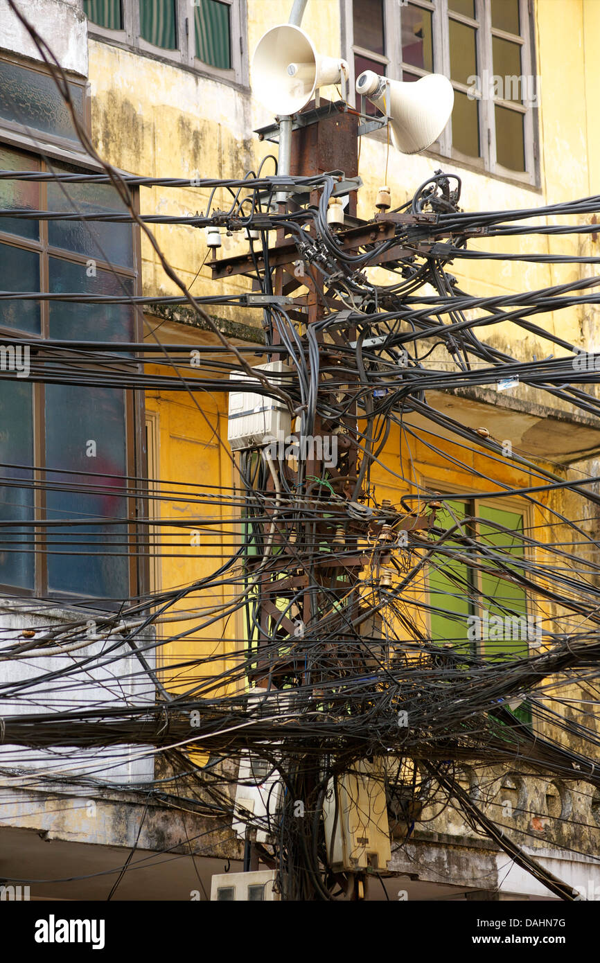Tangled overhead cables, Hanoi Vietnam - Stock Image