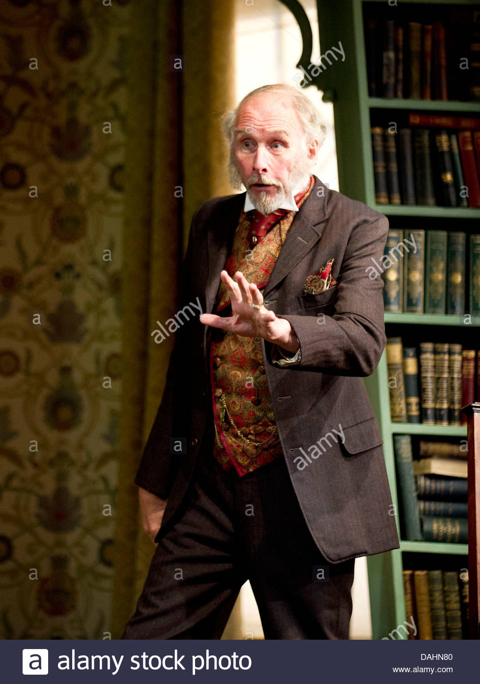 Candida by George Bernard Shaw, directed by Simon Godwin. With Christopher Godwin as Mr Burgess. Opens at Theatre - Stock Image