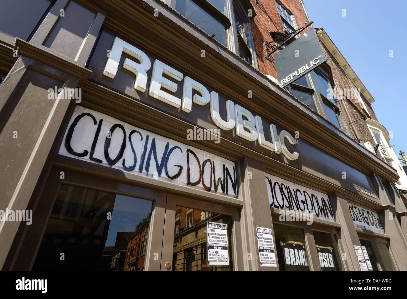 The York branch of the retail chain Republic with Closing Down notices in the windows - Stock Image