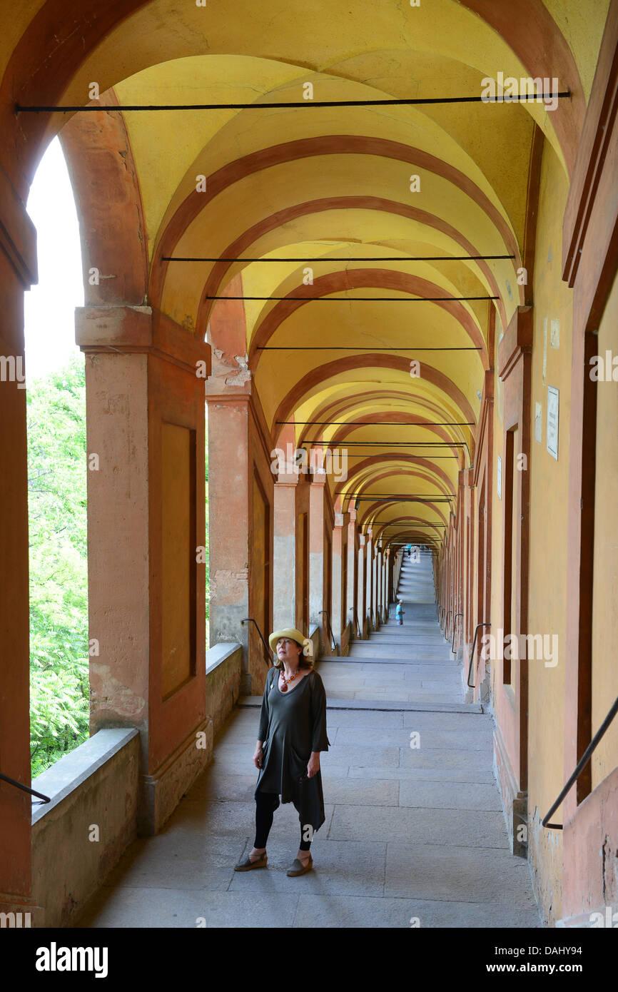 Arcade of bologna stock photos arcade of bologna stock for Bershka via indipendenza bologna