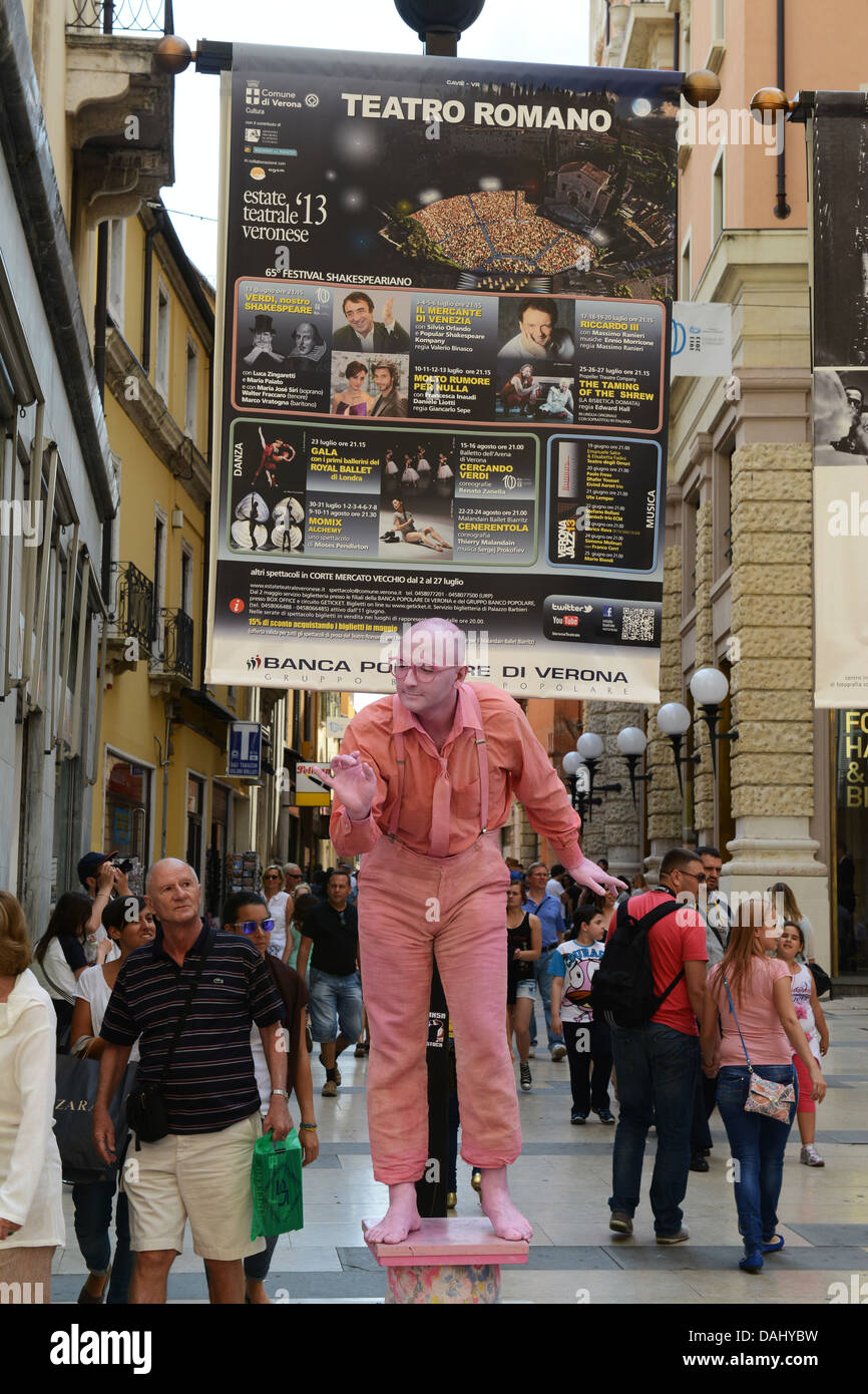 Street mime artists in Verona Italy - Stock Image
