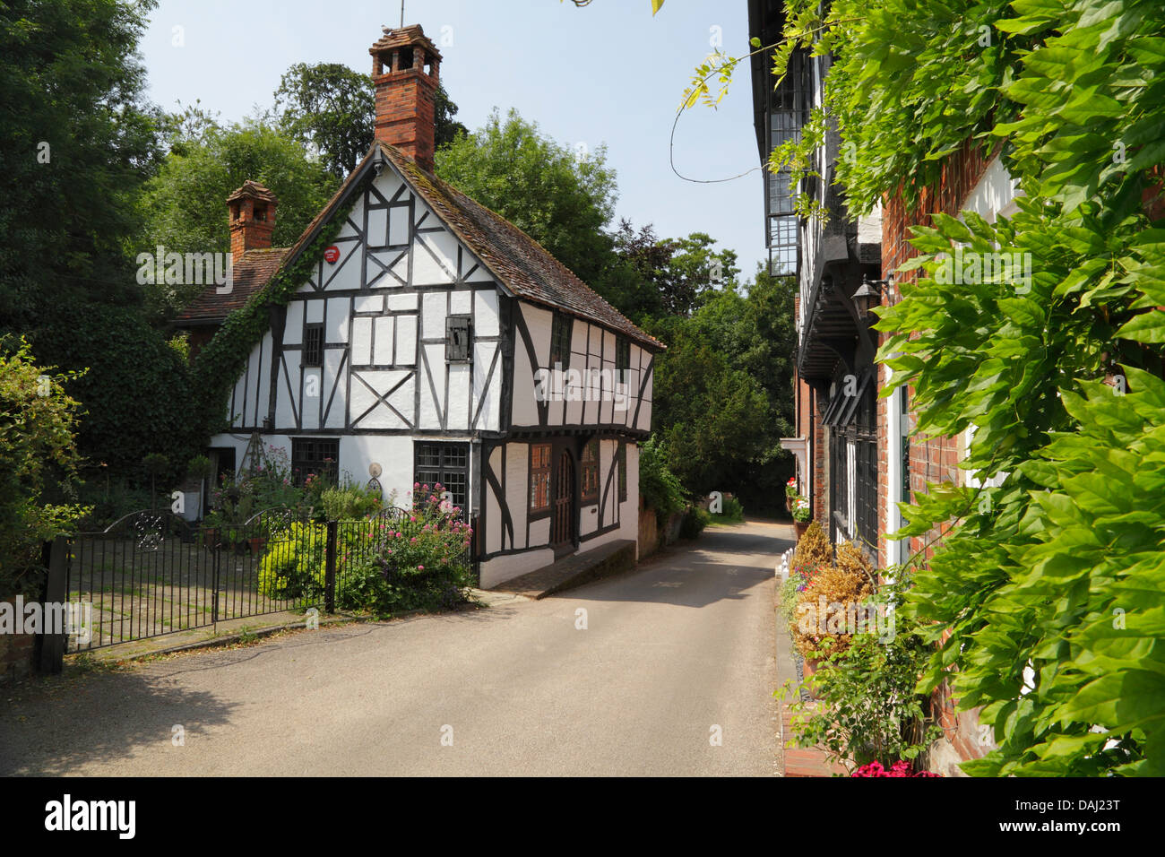 Chilham village in Kent. Picturesque medieval half timbered cottage. A popular tourist destination in South East - Stock Image