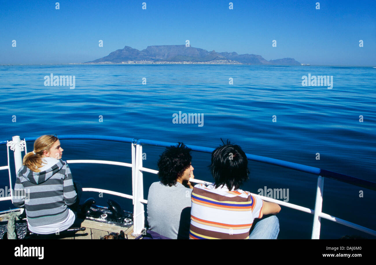 Table Mountain seen from the ferry plying its way across Table Bay between Robben Island and Cape Town - Stock Image