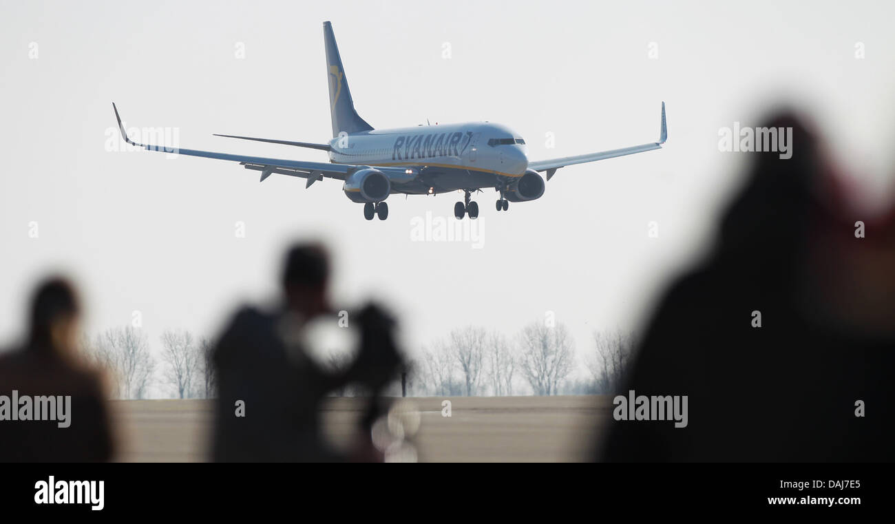 A Boeing 737-800 of the air carrier Ryanair arrives on the airstrip at the Airport Magdeburg Cochstedt International - Stock Image