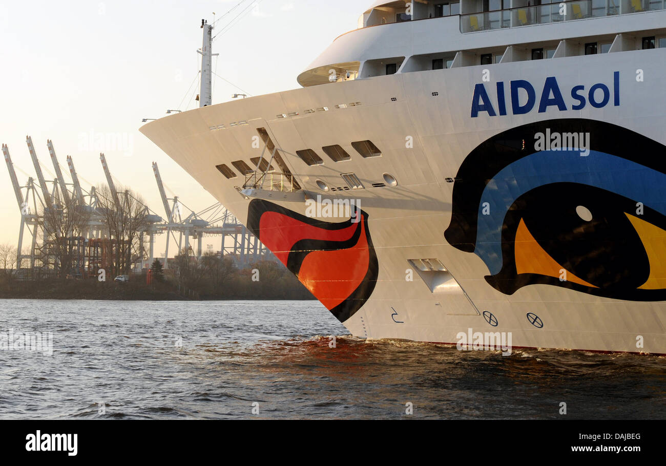 The new cruise ship 'AIDAsol' is pictured at the Elbe river in Hamburg, Germany, 01 April 2011. The christening - Stock Image