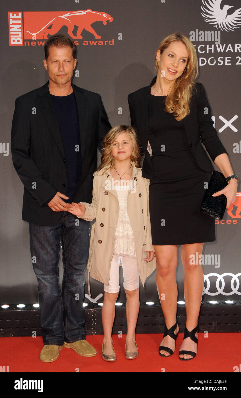 The Actor Til Schweiger L R Arrives With His Daughter Emma